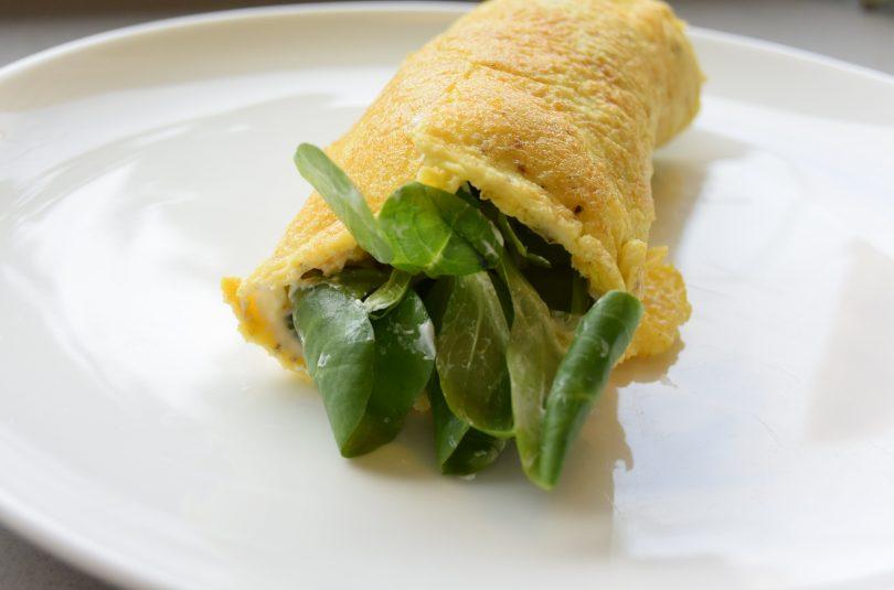 Omelet met veldsla